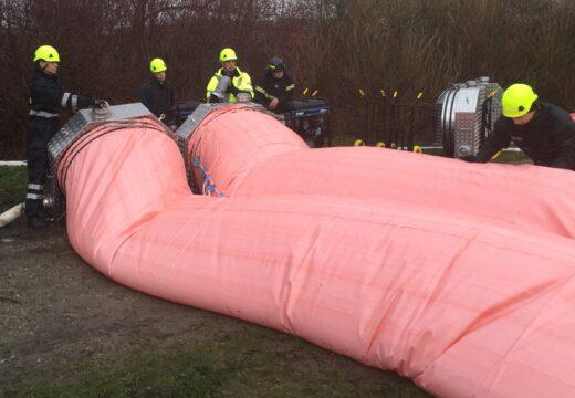 Frivillige fra Beredskab Fyn udlægger blandt andet watertubes, når oversvømmelser truer.