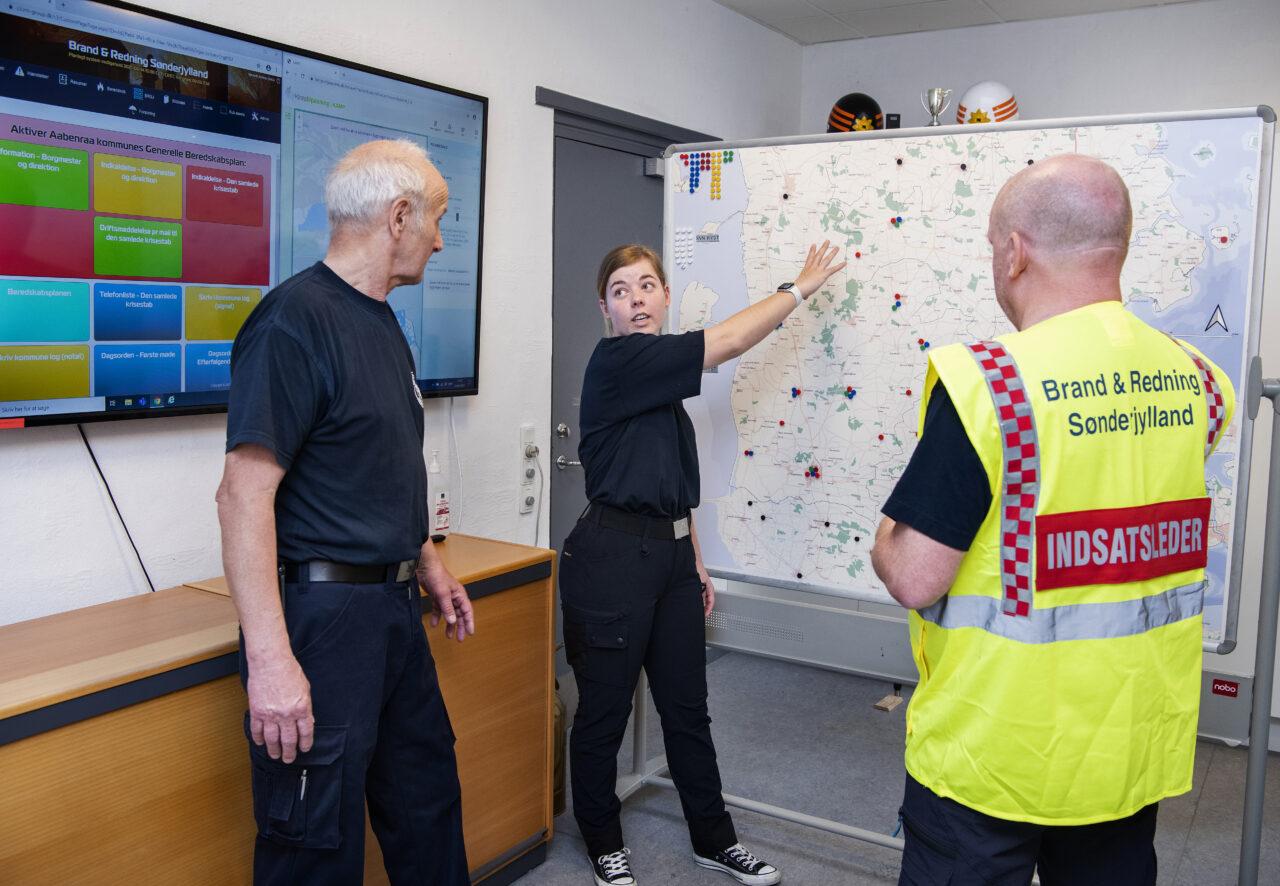 Brand & Redning Sønderjylland har brug for frivillige til stabsstøtte (billedet herover) og forplejning.